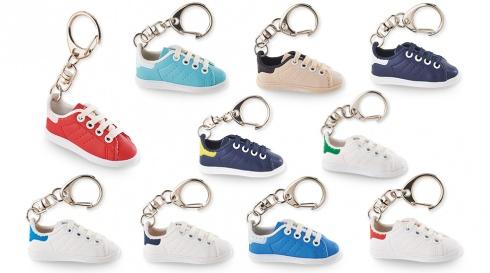 Porte-clés mini-chaussures Smisses br 10 modèles - Initiatives Objets  Tendances ccbb6af34d1