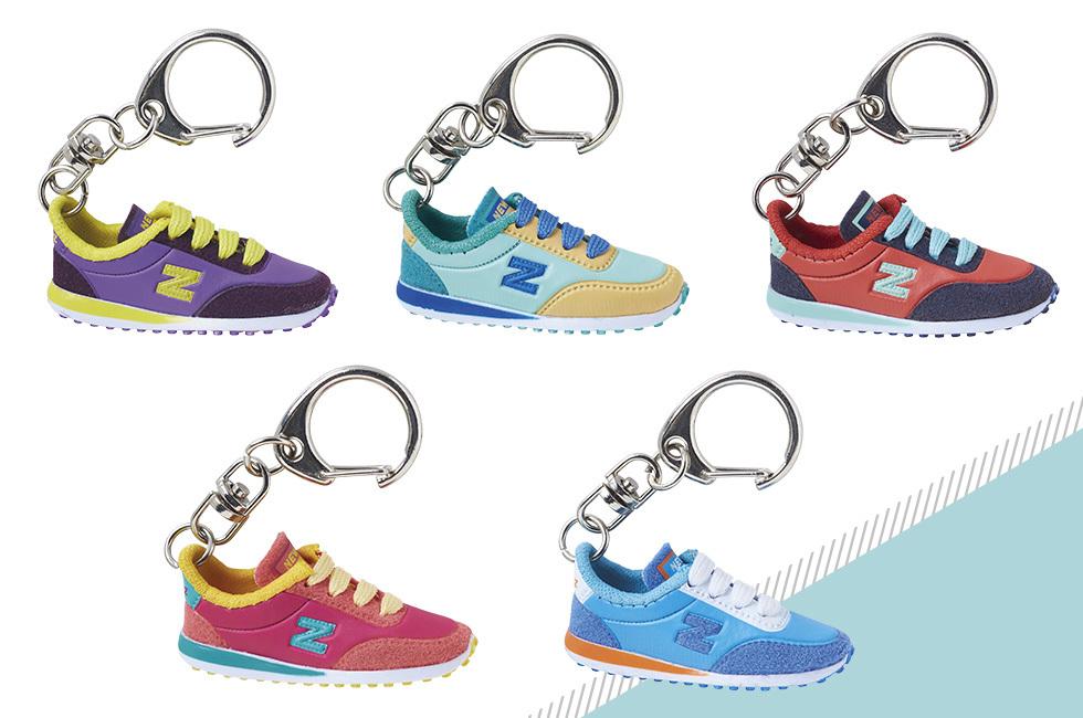 Porte-clés mini-chaussure Newz 10 modèles panachés - Initiatives ...